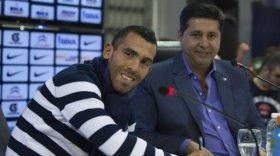 Tevez llegó a la Argentina y se reunirá con Angelici: la condición que tuvo que aceptar del Shanghai Shenhua