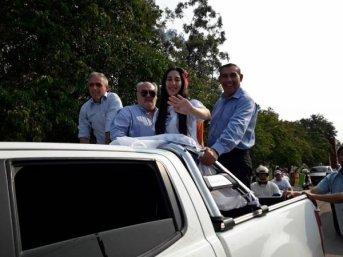 Multitudinaria caravana y posterior acto en apoyo a la fórmula Viviana Pelozo-Daniel Bruno en San Roque