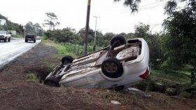 Una familia derrapó con su auto cerca de San Cosme y una nena está grave