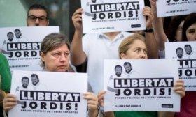 D�a de marchas en Catalu�a tras el arresto de dos l�deres independentistas