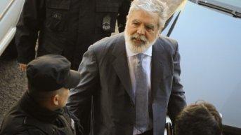 """Con un nuevo procesamiento, Julio De Vido """"está pensando en renunciar"""""""