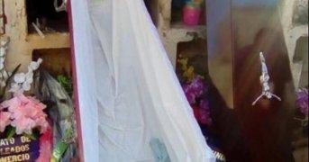 Habrían hallado el cuerpo de Valentina en otro nicho del cementerio de La Cruz