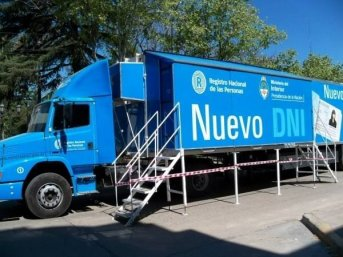 Se puede tramitar DNI y pasaporte en el camión fabrica de costanera