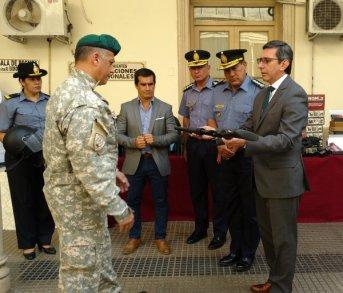 """López Desimoni: """"estamos cumpliendo la meta de tener una Policía mejor equipada"""""""