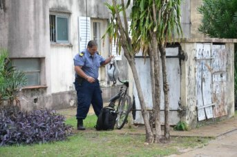 Hombre sospechado de intento de robo se arrojó de un edificio