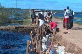 Aguardan que baje el agua para instalar el Bailey en San Isidro