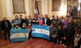 Gustavo Vald�s recibi� a ex combatientes que fueron a Malvinas
