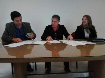 Desarrollo Social firmó convenio con el Instituto Superior Carmen Molina de Llano