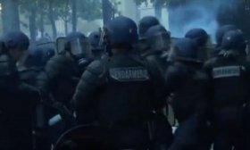 Represi�n con gases lacrim�genos en medios de los festejos en Par�s