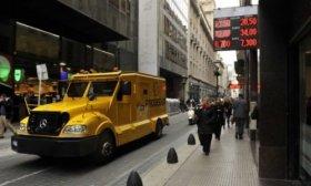 Mercado cambiario: El d�lar subi� 15 centavos y cerr� a $ 28,15