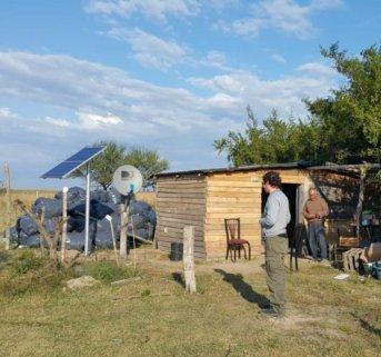 La Secretaría de Energía avanza con la instalación de paneles solares residenciales en zona rural de Esquina