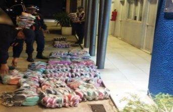Llevaban 371 pares de calzados ilegales y los detuvieron en el puente Chaco Corrientes