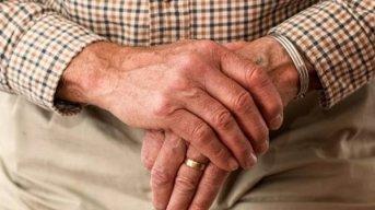 La Anmat prohibió la venta de un remedio contra el reuma y vitaminas