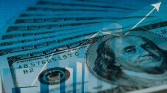 El dólar arrancó la semana corta en alza