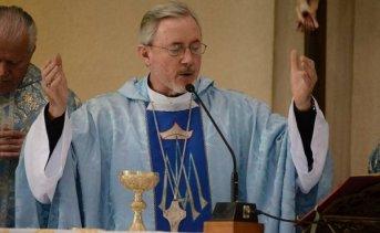 Stanovnik presidirá misa de acción de gracias por sus 40 años de sacerdocio
