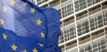 Cambios en los derechos de autor en Europa: Google y Facebook deberán pagar por sus contenidos a los diarios