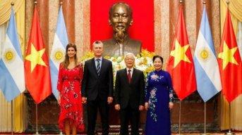 La Argentina y Vietnam firmaron nuevos acuerdos comerciales y Macri cumplió una promesa