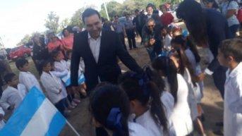 Valdés inauguró ampliaciones en una escuela y anunció un puerto y un parque industrial para Ituzaingó