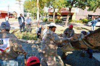Tassano supervisó trabajos de bacheo en la avenida Sarmiento