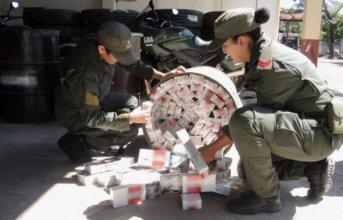 Traficaban cigarrillos ocultos en tachos metálicos