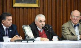 Se present� libro que incluye cartas del General Belgrano al gobernador correntino El�as Galv�n