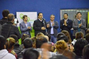 Valdés entregó 100 viviendas, prometió otras 150 y anunció obras para Paso de los Libres