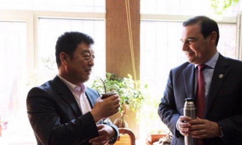 Valdés en China: intercambio estudiantil y producción de autos, ejes de reuniones