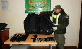 Imputan a brasile�o por tenencia de arma de guerra e investigan su itinerario