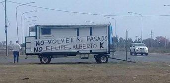 Para la picada: Se robó varios salamines en Corrientes y todo quedó grabado