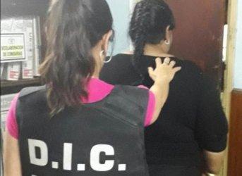 En la Terminal de Corrientes capturaron a una mujer por violento asalto a remisero en Chaco