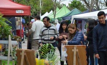 Se dio inicio a la Feria de Artesanos y Emprendedores