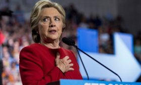 Hillary Clinton se meti� con Facebook y reavivi� el debate sobre su rol en la campa�a