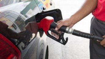 Nación confirmó que los precios de las naftas seguirán congelados