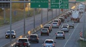 El cambio de quincena en la Costa Argentina: pasan casi 2.600 autos por hora