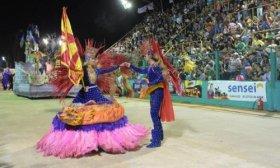 Libres ya vive a pleno sus siete noches de carnaval