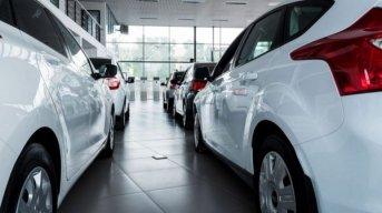 Caen más de 30% los patentamientos de autos en febrero