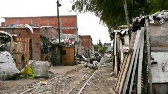 El 65% de los hogares presentó al menos la carencia de un derecho, dice la UCA