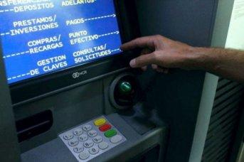 Arrancó el pago de sueldos a empleados provinciales