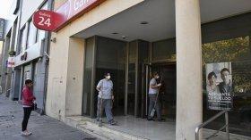 El lunes 13 reabren los bancos al público, pero con atención por turnos dados online