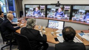 Gobernadores diseñan estrategias contra la pandemia mientras esperan la extensión del aislamiento