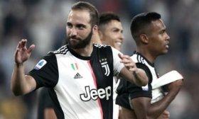 Juventus, sin Dybala pero con Higua�n, visita a Milan en el inicio de la fecha en Italia
