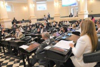 Antes del receso, giran a comisiones el proyecto de voto joven y la paridad de género
