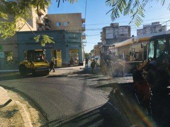 Vialidad Urbana, tras terminar Roca, repavimentó las calles que circunvalan la plaza Libertad
