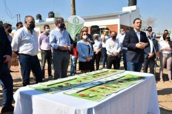 Valdés encabezó la entrega de 19 viviendas y valoró el esfuerzo de los vecinos para su concreción