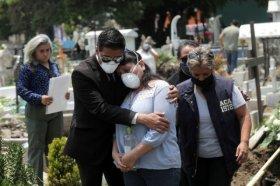 México sobrepasa 52.000 muertes y 475.000 contagios por coronavirus