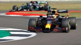Verstappen rompe con el predomio de Mercedes en el GP 70° Aniversario