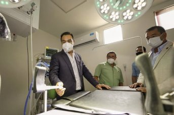 Valdés inauguró la refuncionalizaión y refacción del Bloque Quirúrgico Obstétrico del Hospital de Saladas