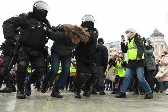 Decenas de detenciones en Rusia en protestas de partidarios del opositor Navalny
