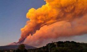 El volc�n Etna vuelve a entrar en una sorprendente nueva erupci�n
