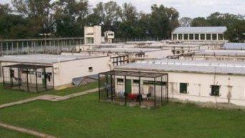 Autorizan uso de celulares sin cámara en centros de detención de Corrientes